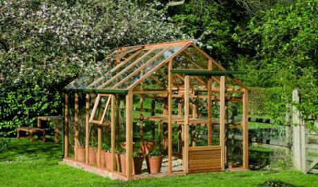 Comment choisir et utiliser sa serre de jardin terre et - Comment utiliser un pulverisateur de jardin ...